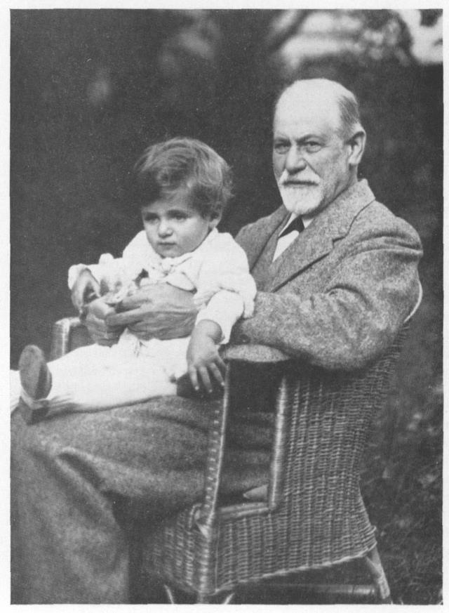 صورة هانز الصغير مع فرويد